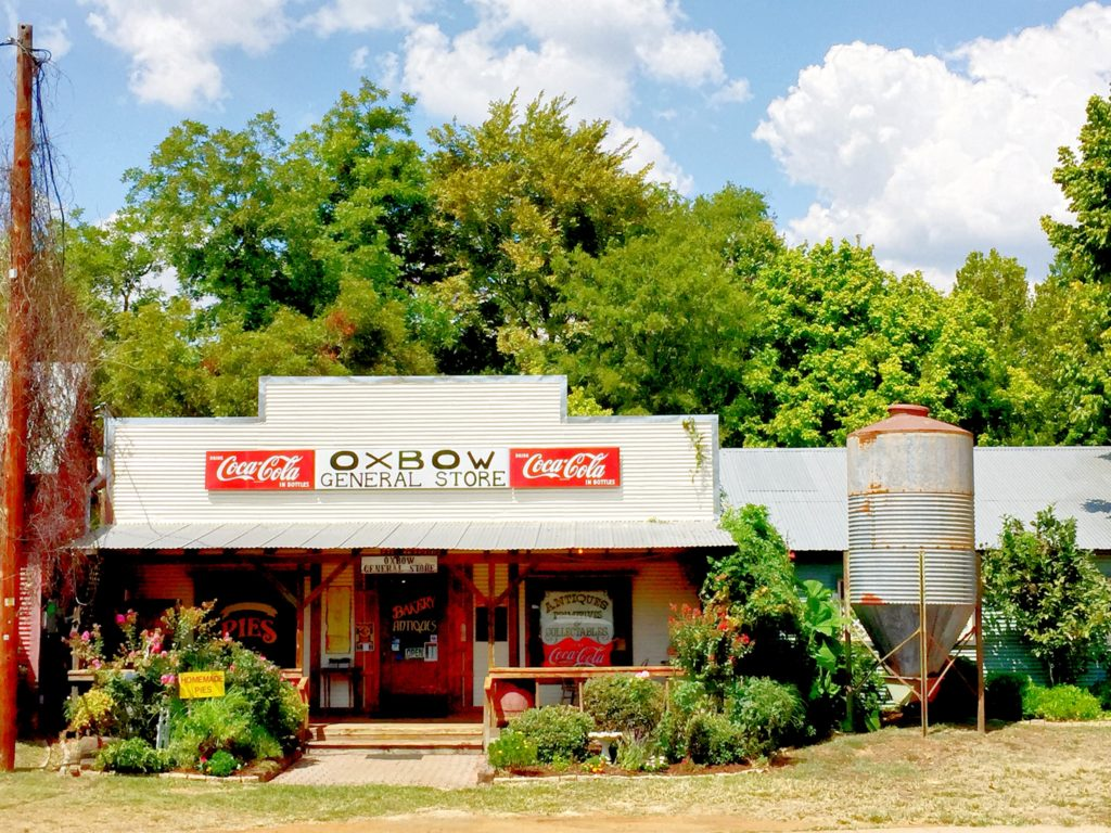 Are you traveling to East Texas? The Oxbow General Store in Palestine, Texas is one of A Life More Beautiful's favorite antiquing stops.